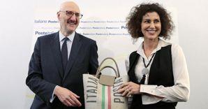 L'ad di Poste Italiane Francesco Caio e il presidente di Poste Italiane Maria Luisa Todini (Ansa) (ANSA)