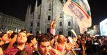 Tensione prima del voto:  a Napoli fiamme nel comitato di Lettieri, rissa a Milano tra sostenitori