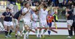 Joshua Furno festeggia  dopo aver segnato una meta durante il Sei Nazioni di rugby contro la   tra  Scozia (Afp) (AFP)