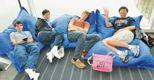Giovani scienziati. Quattro giovani in un momento di riposo nel corso della manifestazione Intel Isef che si è tenuta a Pittsburgh