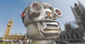Empatia.L'Universit� di Duisburg ha dimostrato, grazie ai tracciati della risonanza magnetica, le emozioni e i sentimenti che gli umani provano nei confronti dei robot. Analoghi a quelli provati per i propri simili