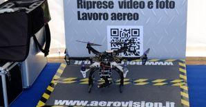 Un modello di drone personalizzato per riprese video e fotografiche ad alta qualit�