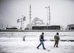 Istanbul sotto la neve: più di 30 centimetri nel centro storico