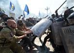 Nazionalisti assaltano Parlamento ucraino, caos a Kiev