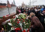L'omaggio dei moscoviti a Nemtsov sul luogo del delitto