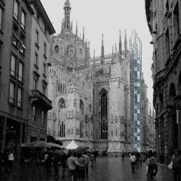 Il lato del Duomo sul quale dovrebbero costruire un ascensore (Fotogramma)