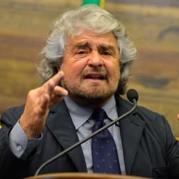 Nella foto il leader dei M5S, Beppe Grillo (AFP Photo)