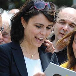 Simona Bonafé (al centro della foto) - Ansa