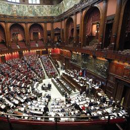 Legge elettorale bocciate le quote rosa esplode la for Donne parlamentari pd