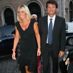 Mauro Floriani e Alessandra Mussolini (Ansa)