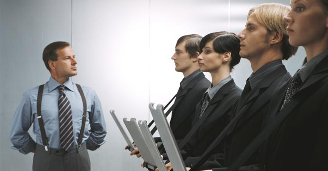 Ufficio Elegante Jobs : Uomo d affari nel suo ufficio in posizione zen scaricare foto gratis
