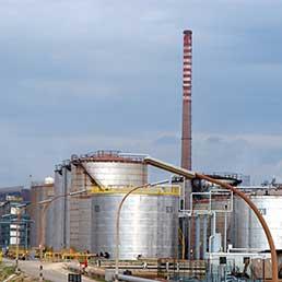 Raffineria Eni Taranto (Imagoeconomica)