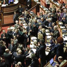 Senatori PD al Senato in una foto del 9 Aprile 2014 (Archivio Ansa)