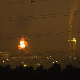 Bombardamenti notturni delle forze israeliane a Nord della Striscia di Gaza (Reuters)