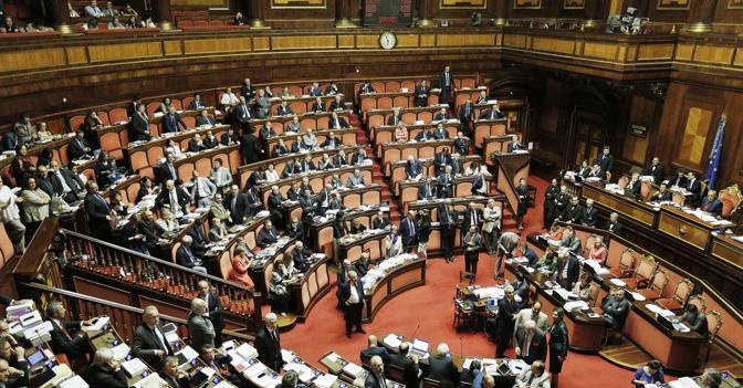 Accordo nella maggioranza pi poteri al senato for Composizione senato