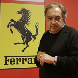 Ferrari sbarca in Borsa. Fca scorpora la società e quota il 10%. A Milano il titolo chiude a +12,8%  - Il Sole 24 ORE