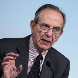 Il ministro dell'Economia, Pier Carlo Padoan (Ansa) (ANSA)