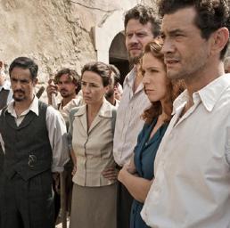 Una foto di scena di 'Un mondo nuovo' dedicato alla storia di Altiero Spinelli (Ansa)