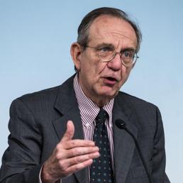 Il ministro dell'Economia Pier Carlo Padoan. Foto Ansa