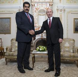 Il presidente venezuelano Nicolas Maduro con il presidente russo Vladimir Putin. (foto Epa)
