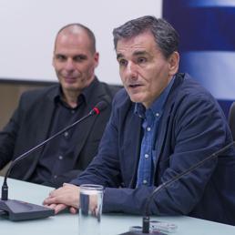 Euclid Tsakalotos con Yanis Varoufakis (LaPresse) (LaPresse)