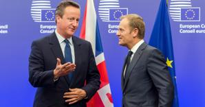 Da sinistra, David Cameron e Donald Tusk (Ansa/Ap) (AP)
