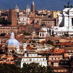 Roma nelle case del comune in centro l 85 non paga l for Affitto studio ad ore roma