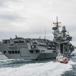 La missione promozionale della portaerei cavour a dubai - Nuova portaerei ...