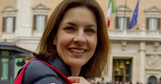 Le capolista del pd alle europee alessandra moretti nel for Parlamentari donne del pd