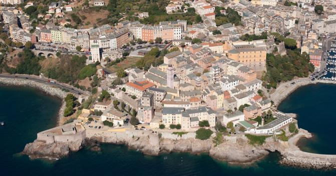 Investire nel mattone all 39 estero in francia e corsica for Mattone guardando schierandosi