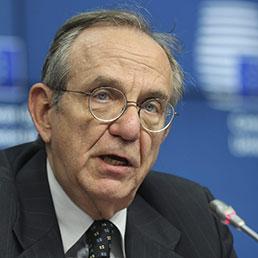 Il ministro dell'Economia, Pier Carlo Padoan (Ansa)