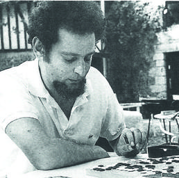Georges Perec in una sfida a go a Moulin d'Andé, nellagosto 1969, l'anno in cui uscì il suo volume sul gioco
