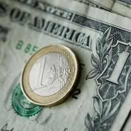 Euro pronto a sostituire il dollaro   nel   carry trade: ecco cosa significa per le tasche dei risparmiatori - Il Sole 24 ORE