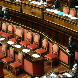 Lo stipendio dei parlamentari italiani 5 volte il pil for I parlamentari italiani