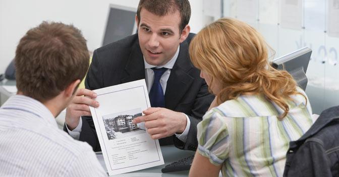 2. Quali obblighi ha chi vende o affitta per quanto riguarda l'Attestato di prestazione energetica?