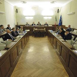 Decadenza, Berlusconi chiede la sospensione del giudizio. «La mia presenza in giunta? Sarebbe una sceneggiata» - La memoria del Cav