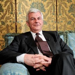 È Profumo il manager più pagato d'Italia nel 2010 grazie alla buonuscita da Unicredit