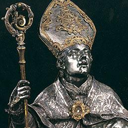 San Gennaro mette in mostra i suoi gioielli