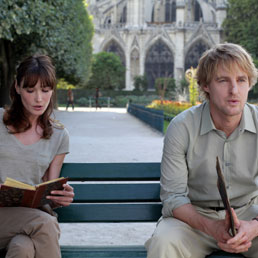 "Ciak sul 64° Festival di Cannes.(Carla Bruni e Owen Wilson in una scena del film di Woody Allen, ""Midnight in Paris"". (AP Photo)"