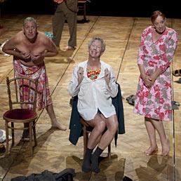 """Al cabaret """"Gardenia"""", Platel racconta l'umanità di sei anziani """"drag queens"""" (Foto Musacchio & Ianniello)"""