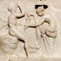 Satiro e menadi. Dalla casa dei rilievi dionisiaci, Ercolano, Primo secolo d.C.