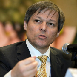 ll commissario all'Agricoltura Dacian Ciolos (Bloomberg)
