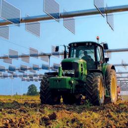 Pannelli solari nell'impianto agrovoltaico di Virgilio (Mantova)