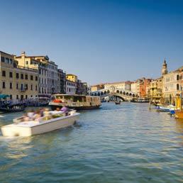 Frenati dalla tassa di soggiorno il sole 24 ore for Tassa di soggiorno a venezia