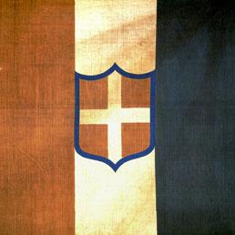 La prima bandiera italiana con lo stemma della Casa Reale di Sardegna, Torino, Museo del Risorgimento