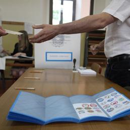 I candidati di Milano, Moratti e Pisapia, al voto (LaPresse)