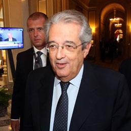 Saccomanni: presto un commissario straordinario per la spending review - Casaleggio attacca il Porcellum: un problema di democrazia