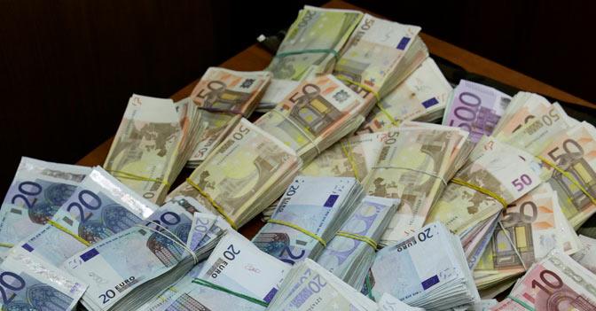 I regali in denaro - Soldi contanti a casa ...