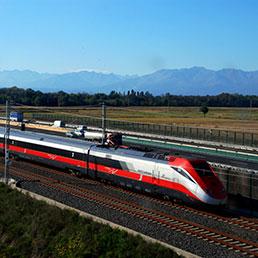 Il mercato (e il piacere) dei treni superveloci (Fotogramma)