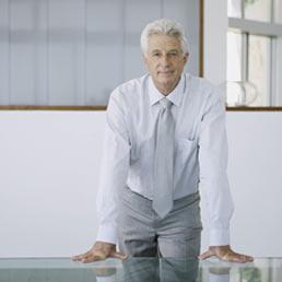 Nelle imprese vince l'imprenditore over 70, solo il 7% ha meno di 30 anni (Corbis)